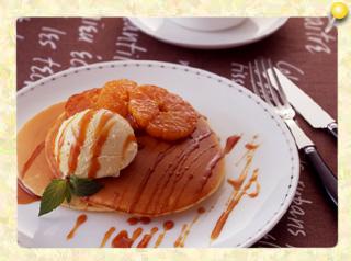 カラメルみかん風味のパンケーキ