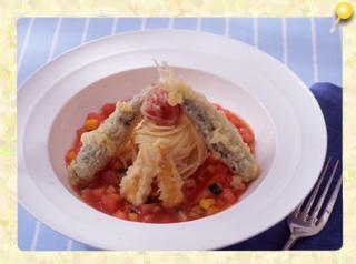 冷製パスタの夏野菜天ぷらのせ