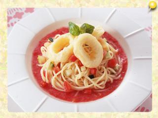 イカフリッターと生トマトソースの冷製スパゲッティ