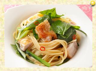鶏肉と小松菜のスパゲッティサラダ