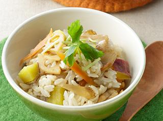 根菜と鶏肉とさつま芋の混ぜごはん