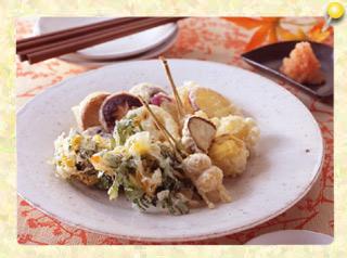春菊と黄菊のかき揚げと秋野菜の天ぷら