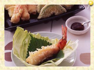 夏野菜とエビの天ぷら レタス包み