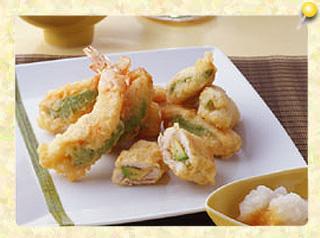 エビと鶏ささ身のアボガドサンド天ぷら