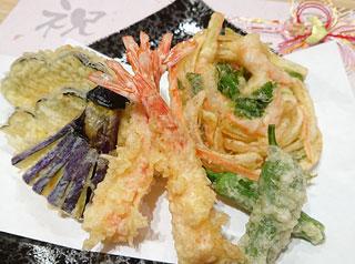 絶品 天ぷら(エビ、野菜、かき揚げ)